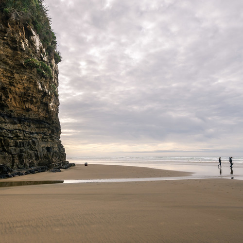 Cliffs and beach Cathedral Caves, Catlins